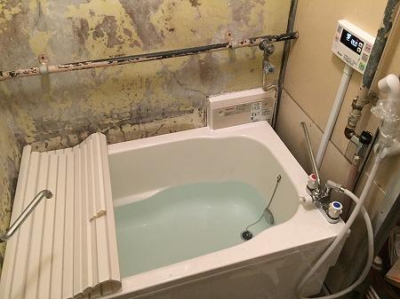風呂釜の交換方法の解説。その9