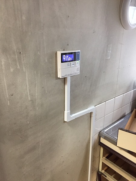 壁貫通型給湯器から壁掛け給湯器へのお取り替え工事【国分寺市】7