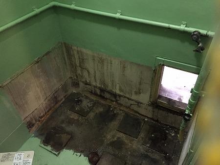 バランス釜から広い浴槽のホールインワンへの交換・リフォーム工事【都営住宅 in 江東区東雲】お得な費用でお取替え可能。その施工事例をご覧ください。その3
