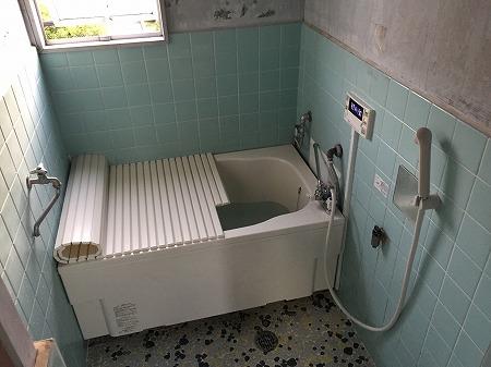 壁貫通型給湯器から壁掛け給湯器へのお取り替え工事【国分寺市】11