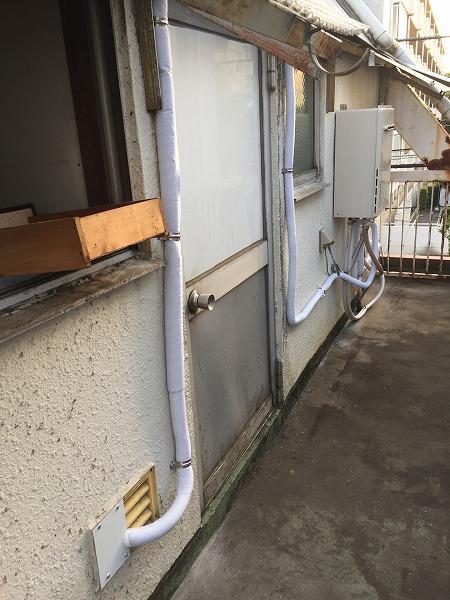 壁貫通型給湯器から壁掛け給湯器へのお取り替え工事【国分寺市】10