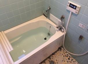 壁貫通型給湯器から壁掛け給湯器へのお取り替え工事【国分寺市】