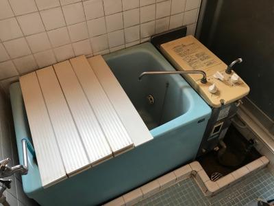 ガスターKG-808BFK-SH1のお取替え工事【綾瀬市小園】この型式の風呂釜(バランス釜)のお取り替えは、お得な費用で工事可能な当社にお任せください。その1