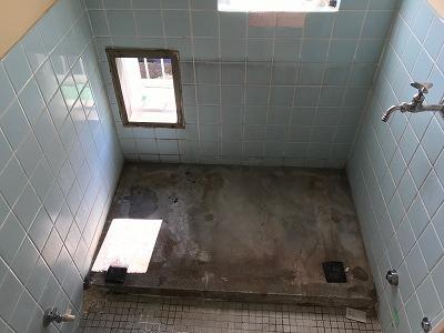 バランス釜のリフォーム工事【都営住宅 in 東京都町田市】バランス釜のリフォーム工事は、経験豊富な当社にお任せください。お得な費用と確かな工事で、快適なお風呂をご提供いたします。こちらは施工写真です。その2