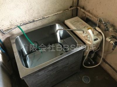 ガスターKG-808BFK-SH2(風呂釜)の交換工事【県営住宅 in 横浜市瀬谷区】ガスターKG-808BFK-SH2はバランス釜と呼ばれる風呂釜です。当社であれば、お得な費用でお取り替えが可能です。ご依頼の前に、まずは当社の施工実績をご覧ください。その4