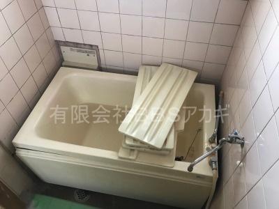 ガスター製給湯器「HOL-80D」の交換工事【東京都中野区南台】ガスター製HOL-80Dは、壁貫通型給湯器です。一般のご家庭についている壁掛け給湯器とは別物です。主に団地に設置されていることの多い機種です。施工時のお写真をご覧ください。No.1