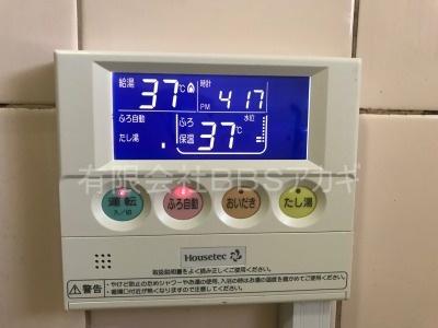 ガスター製給湯器「HOL-80D」の交換工事【東京都中野区南台】ガスター製HOL-80Dは、壁貫通型給湯器です。一般のご家庭についている壁掛け給湯器とは別物です。主に団地に設置されていることの多い機種です。施工時のお写真をご覧ください。No.6