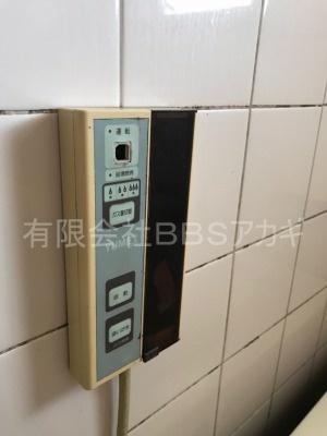 ガスター製給湯器「HOL-80D」の交換工事【東京都中野区南台】ガスター製HOL-80Dは、壁貫通型給湯器です。一般のご家庭についている壁掛け給湯器とは別物です。主に団地に設置されていることの多い機種です。施工時のお写真をご覧ください。No.3