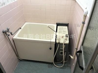 工事前のバランス釜と浴槽セットのお写真