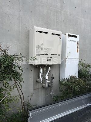 左側が取替済み|業務用給湯器(50号&32号)お取り替え工事【地区センター in 横浜市】