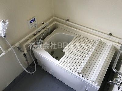 広い浴槽の設置工事、完了です!