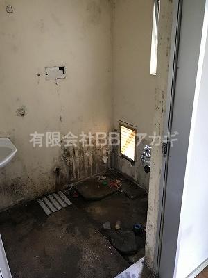 お風呂の撤去後の写真です。|お風呂と湯沸かし器の撤去・処分【公務員住宅 in 横浜市旭区】