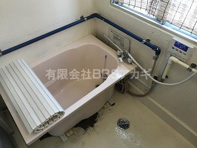 ででーん、ピッタリでした。|ノーリツ バスイング8号+110cmピンク浴槽の新規取り付け工事【県営住宅 in 藤沢市】