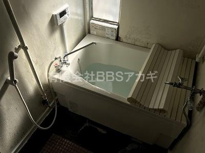 バランス釜セットからのお取り替え工事、完成です!|バランス釜からシャワーの強いお風呂へのお取り替え工事【横浜市緑区】