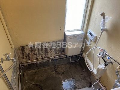 広々としたシャワー室への改造、完了です!|団地用のお風呂をシャワー室に♪【県営住宅 in 横浜市磯子区】