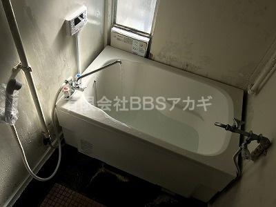 設置後の試運転中の様子です。|バランス釜からシャワーの強いお風呂へのお取り替え工事【横浜市緑区】