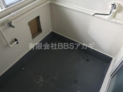 お風呂を設置する前のお風呂場です。|お風呂セットの新規お取り付け工事【県営住宅 in 横浜市戸塚区】
