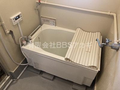 設置工事、完成です!|風呂釜&浴槽の新規取り付け工事【区営住宅 in 中野区】