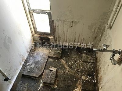 撤去したあとのお風呂場の様子です。|バランス釜からシャワーの強いお風呂へのお取り替え工事【横浜市緑区】