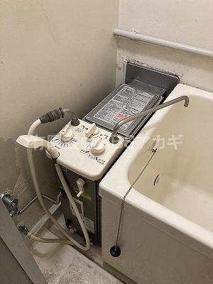 こちらが現在設置されている風呂釜です!|団地用風呂釜の交換工事【神奈川県営住宅 in 横浜市戸塚区】